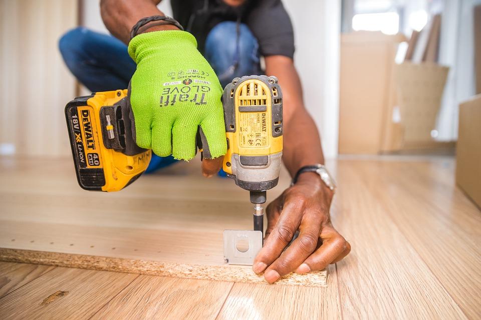 Comment le menuisier travaille-t-il le bois neuf ?